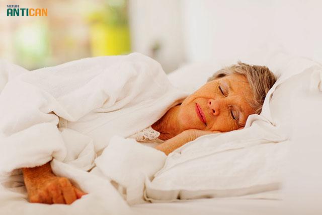 tác dụng phụ của hóa trị có thể dẫn tới mệt mỏi, suy nhược cơ thể